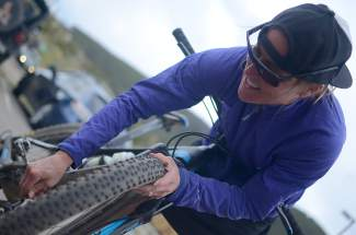 Jaime Brede tears down after the Frisco Roundup mountain bike race in 2015. The Summit County-based pro triathlete and mountain biker comes to the Frisco Peninsula for three women's-only clinics this summer on June 9, June 30 and July 21.