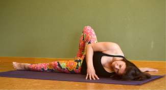 Shoulder opener yoga pose for kayakers and rafters.
