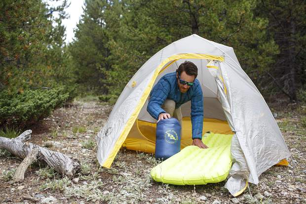 Backcountry gl&ing with the Big Agnes ultra-light system Fly Creek UV UL3 tent with rainfly Mystic UL 15 sleeping bag and integrated Q-Core SLX sleeping ... & High Gear: Field review of Big Agnes UL tent pad and sleeping bag ...